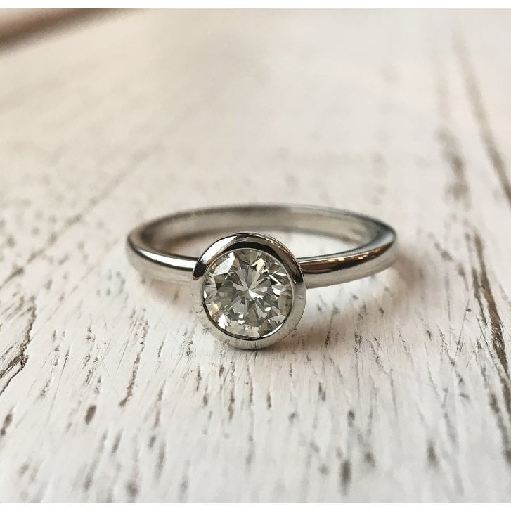 Lila's Beautiful and Simple Diamond Solitaire Ring in Platinum