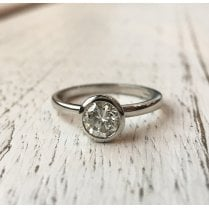 Beautiful and Simple Diamond Solitaire Ring in Platinum