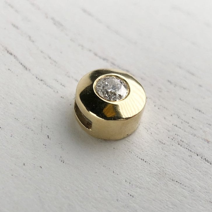 Diamond Solitaire Slider in Yellow Gold