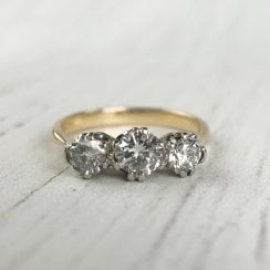 Diamond Trilogy Ring in 18ct Gold