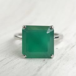 Green Chalcedony Dress Ring in Platinum
