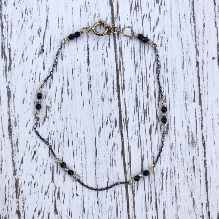 black spinel and labradorite chain bracelet