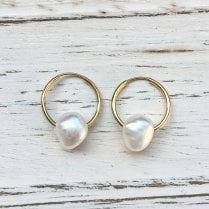 Molo Me Mama Ania Gold Hoops with Pearls