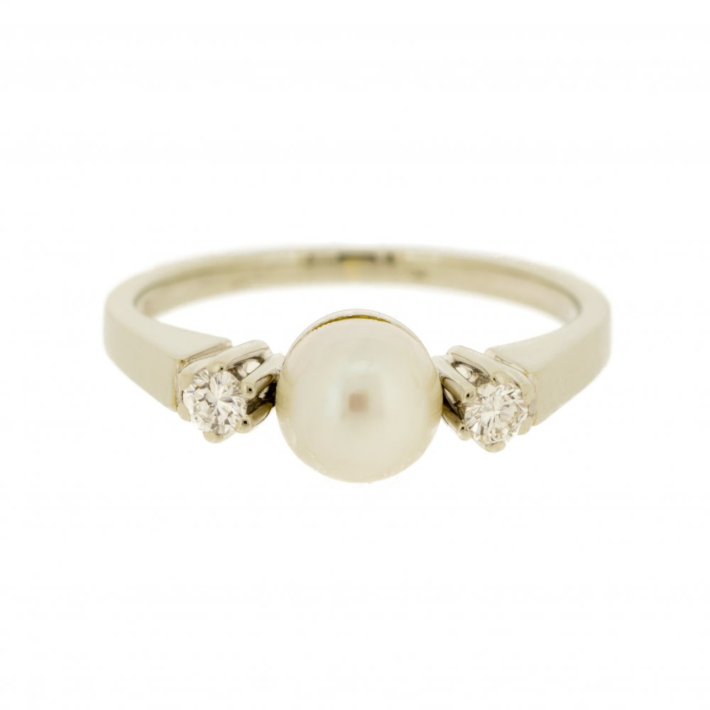 pearl trilogy ring