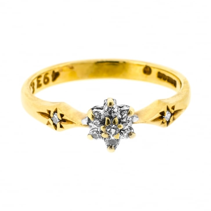 Petite 80s Ring with a Diamond Cluster and Star Shoulders