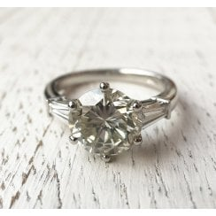 Platinum Ring with 2.6ct Diamond and Tapered Baguette Shoulders