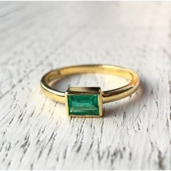 Rectangular Emerald Ring in Yellow Gold