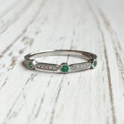 Diamond and Emerald Geometric Band