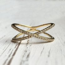Richard Woo Double Cross-Over Band In Yellow Gold