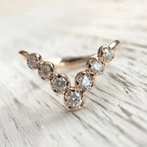 V-Shaped Diamond Ring in 18ct yellow gold