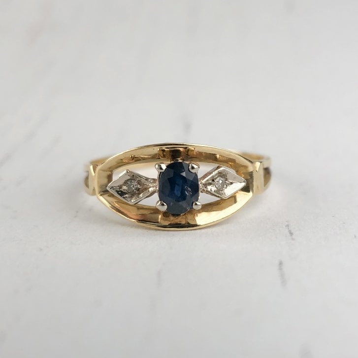 Sapphire and Diamond Open Panel Ring in Yellow Gold
