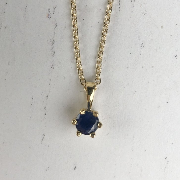 Sapphire necklace in 9ct yelow gold