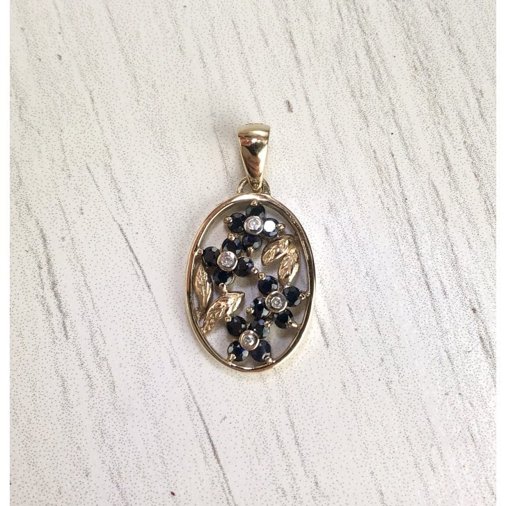 Vintage floral Pendant with sapphires