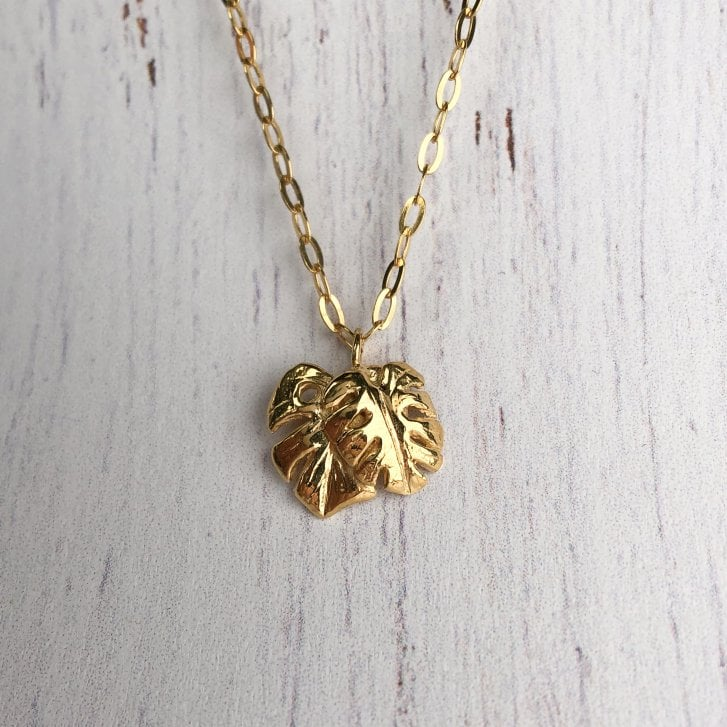 Wild Armour Leaf Pendant gold plated necklace