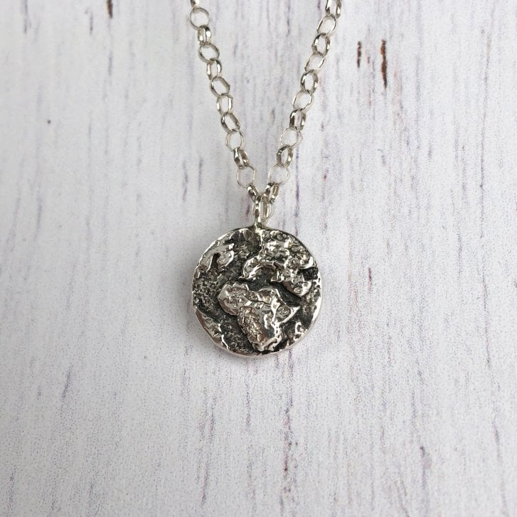 Wild Armour Silver Eart Necklace on 18 Inch chain